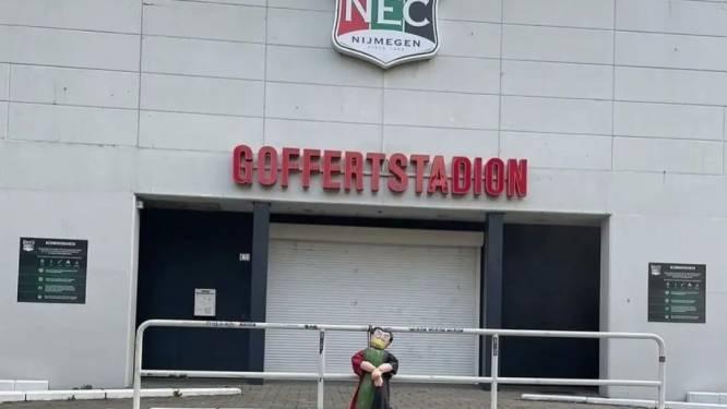 NEC-pop hangt op verschillende plekken in Nijmegen: 'Hebben ze aandacht. Is het ze ook om te doen'