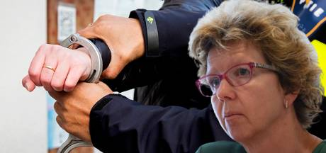 Verdachte (80) die dreigde wethouder in Kampen te ontvoeren blijft vastzitten: 'Hij is kwetsbaar'