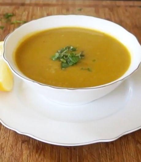 Healthy Sisters: Zo maak je gezonde maaltijdsoep met zoete aardappel en linzen