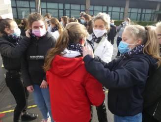 4.000 leerlingen krijgen nekwarmer van 'Fietsstad' Deinze
