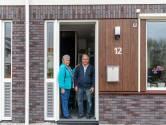 Henk en Mary uit Goes kregen een theemuts op hun huis: 'We hoeven bijna niet meer te stoken'