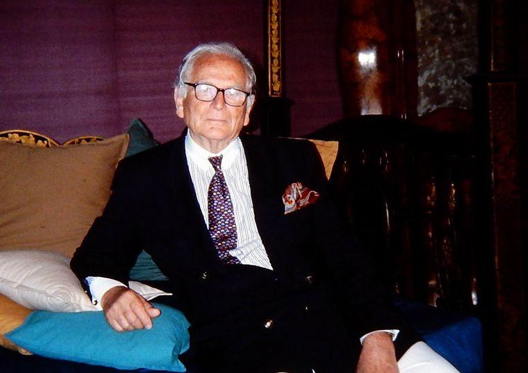 Pierre Cardin was de eerste couturier die zijn naam verbond aan een kledinglijn voor de gewone vrouw.  Beeld Photo News