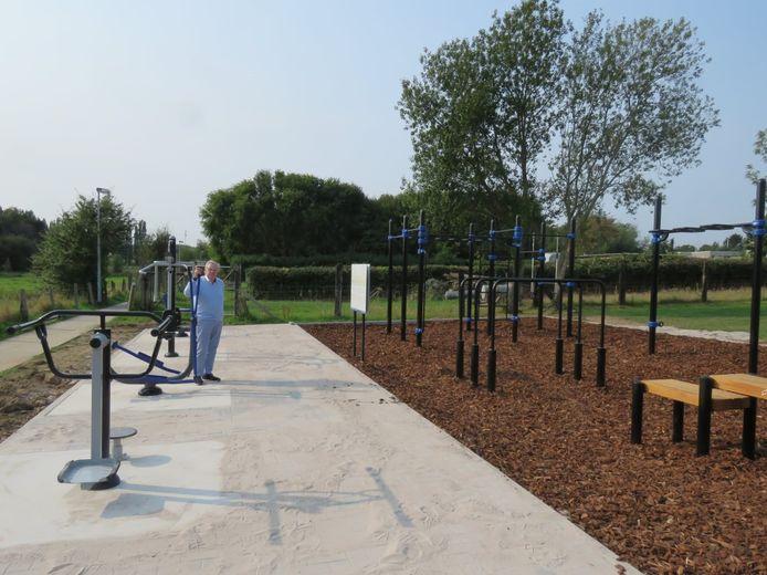 Het permanente outdoor fitness- en calisthenicspark in Denderhoutem is sinds september klaar.