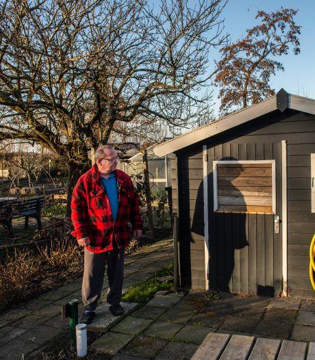 Hangjongeren maken van volkstuinen De Wisselaar een levende hel: 'Ik laat mijn spullen niet slopen!'