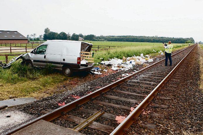 In 2007 gebeurde er dit ongeval op de onbewaakte spoorwegovergang aan de Reurinkweg in Ruurlo. De overweg is nu alleen toegankelijk voor voetgangers, fietsers en bromfietsers, maar wordt  binnenkort helemaal afgesloten.