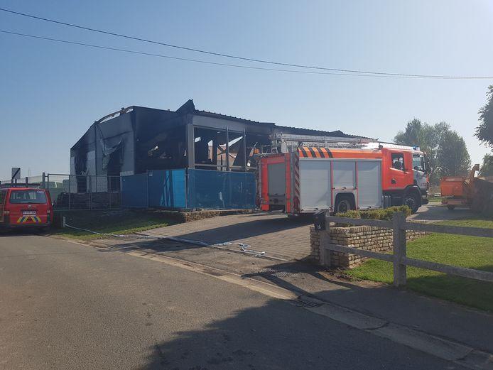 De brandweer kwam maandagvoormiddag opnieuw ter plaatse voor een kleine heropflakkering.