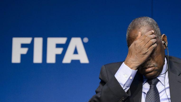 Interim-president van de FIFA Issa Hayatou tijdens de persconferentie donderdag. Beeld afp