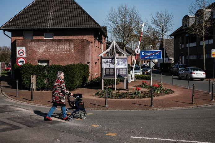 In Dinxperlo loopt de grens tussen Duitsland en Nederland midden over straat.