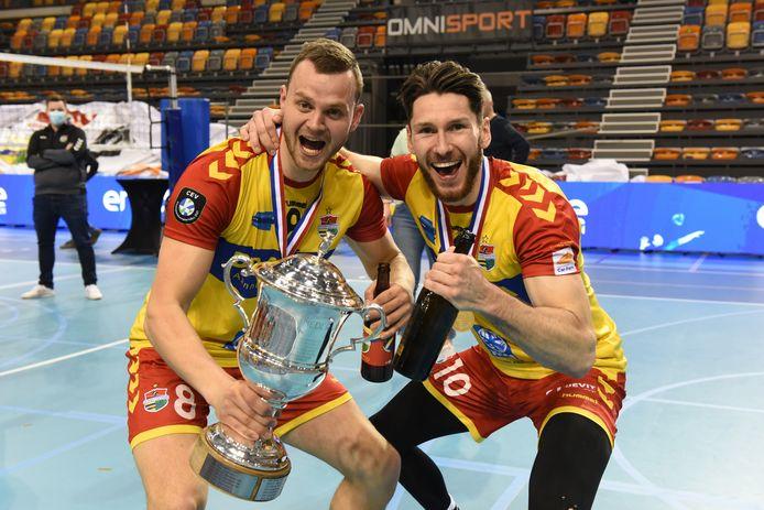 Freek de Weijer (links) en Maikel van Zeist wonnen met Draisma Dynamo de landstitel, spelen beiden met Oranje in de Nations League. De Weijer verkast na de zomer naar Griekenland.
