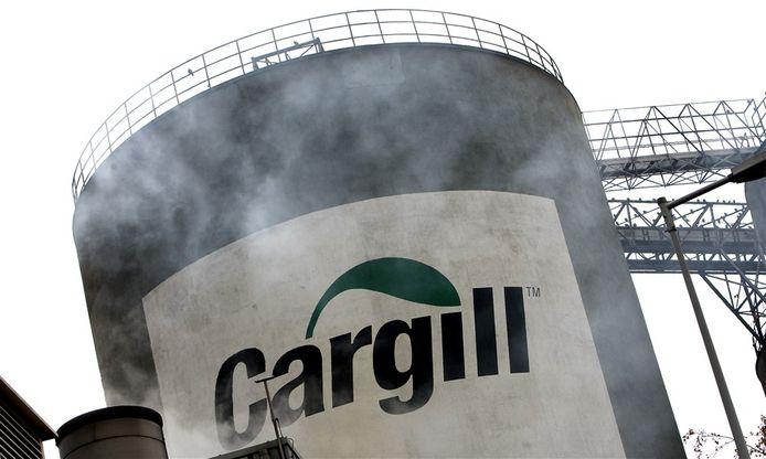 Cargill-logo op een van de sojatanks van het bedrijf in Amsterdam.