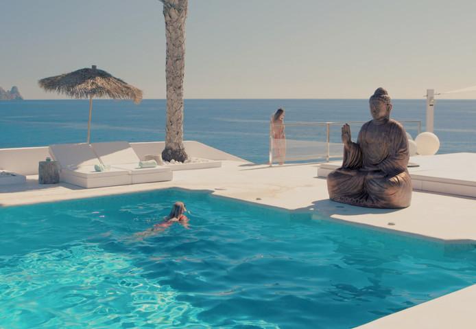 Het buitenbad van Villa Cala Tarida