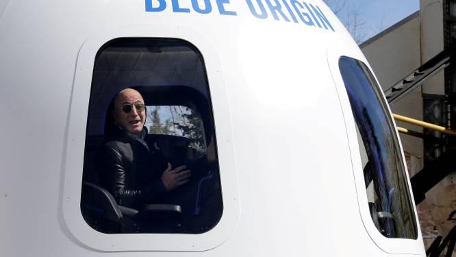 Plaatsje op eerste ruimtereis met Jeff Bezos verkocht voor 28 miljoen dollar