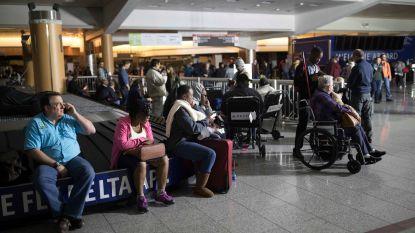 Grootste en drukste luchthaven ter wereld ligt urenlang plat