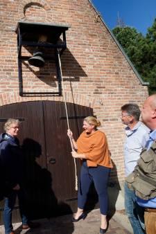 Het Asperense luidklokje uit 1730 krijgt een nieuwe functie: 'Beter dan dat het in een museum hangt'