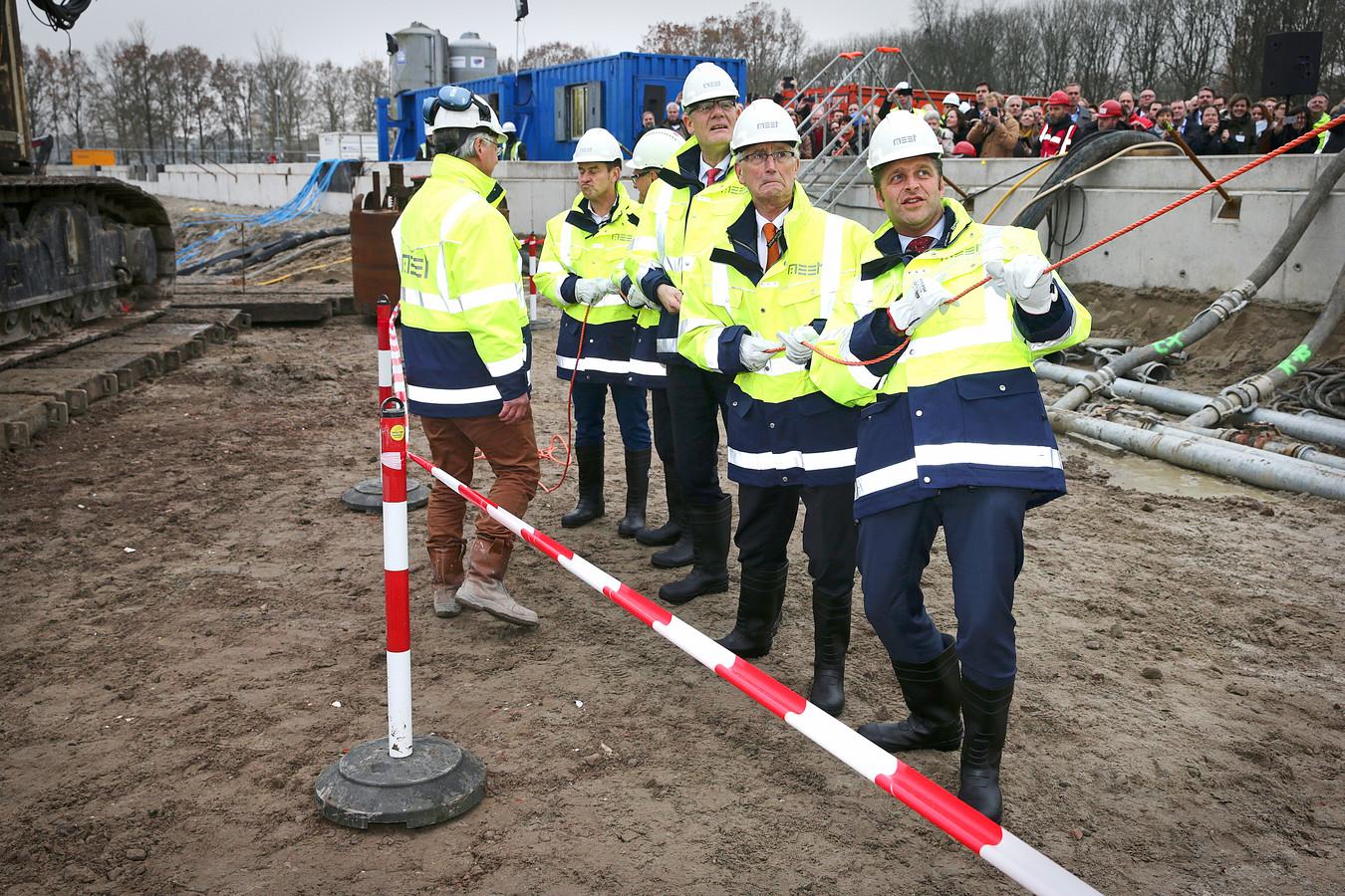 29 november 2017: Minister Hugo de Jonge verricht de officiële start van de bouw van het nieuwe RIVM-gebouw.