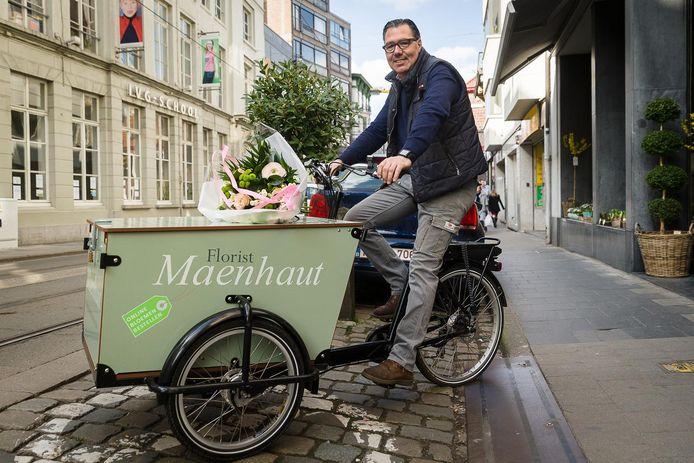 Beeld ter illustratie: In Gent leveren heel wat winkels aan huis met de bakfiets. Denk maar aan florist Maenhaut.
