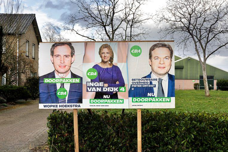 De CDA-affiches van Wopke Hoekstra, Pieter Omtzigt en Inge van Dijk voor de Tweede Kamerverkiezingen in 2021. Beeld Hollandse Hoogte / Branko de Lang