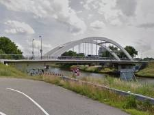Lonnekerbrug in Enschede volledig afgesloten voor verkeer