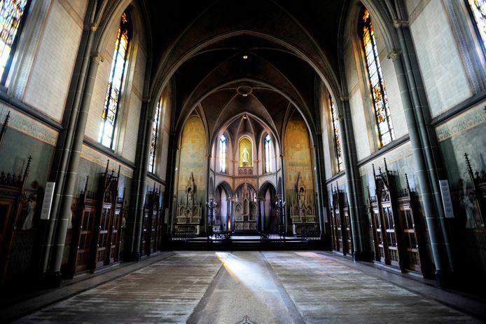 De kapel ligt van het klooster aan de Bredaseweg