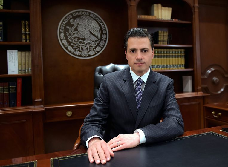 De Mexicaanse president Peña Nieto en zijn regering geven veel geld uit aan het oppoetsen van zijn imago. Beeld EPA
