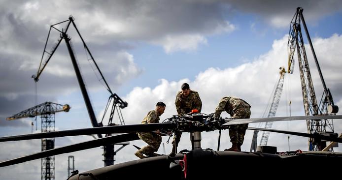 In juni van dit jaar werden Black Hawk helikopters van het Amerikaanse leger via de terminal van Steinweg vervoerd.