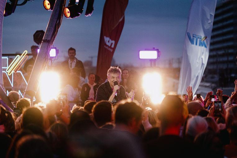 Een optreden van Bart Peeters. De show reanimeerde de Vlaamse showbizz, is de unanieme conclusie. Beeld Wouter Van Vooren