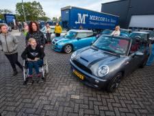 Meer dan honderd Mini's voor ernstige zieke Delphine (18) uit Goor: 'Mooier dan ik ooit had kunnen dromen'