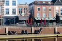 Bij bar Krisje aan de Haven staat het terras al opgesteld.