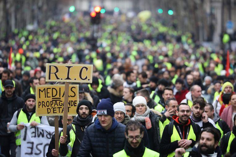 Onder meer in Parijs waren er weer protesten van de gele hesjes. Beeld AFP