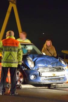 Twee gewonden door kettingbotsing op A4