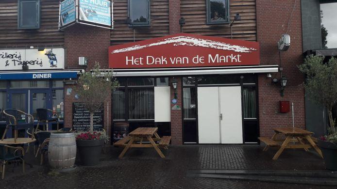 Café Het dak van de Markt in Veenendaal opnieuw besloten.