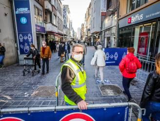 """Vanaf 26 april geldt mondmaskerplicht in centrum enkel bij drukte: """"Wie om 22 uur in lege straat zijn hond uitlaat, hoeft geen masker meer te dragen"""""""