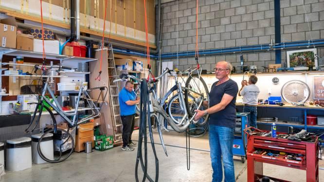 Deze mannen van Spijkerbikes geven fietsen tweede leven: 'Je kent ze wel, die barrels die op straat belanden'