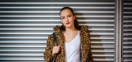 Mia belandde op haar 19de in de pornowereld: 'Mijn grenzen werden steeds meer verlegd'