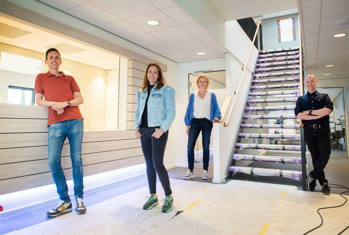 In het nieuwe gezondheidscentrum aan het kloosterpad zijn 4 huisartsen actief. vlnr: Tim Baijens, Aniek Baijens-van Haren, Yvonne Panken en Loet Birker.