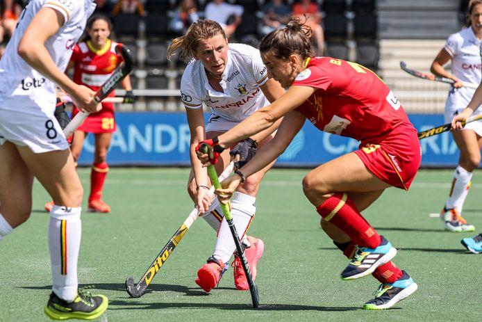 Stephanie Vanden Borre aan het werk in de wedstrijd om EK-brons tegen Spanje.