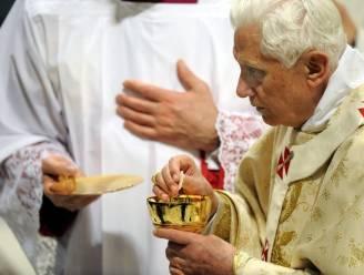 """""""Paus kan niet vervolgd worden rond kindermisbruik"""""""