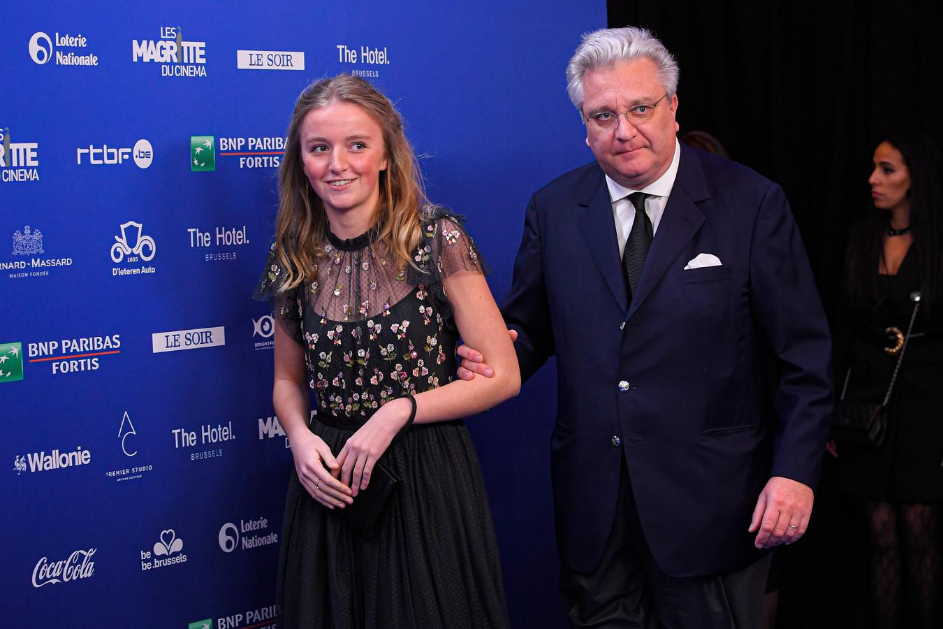 Prinses Louise met papa prins Laurent.