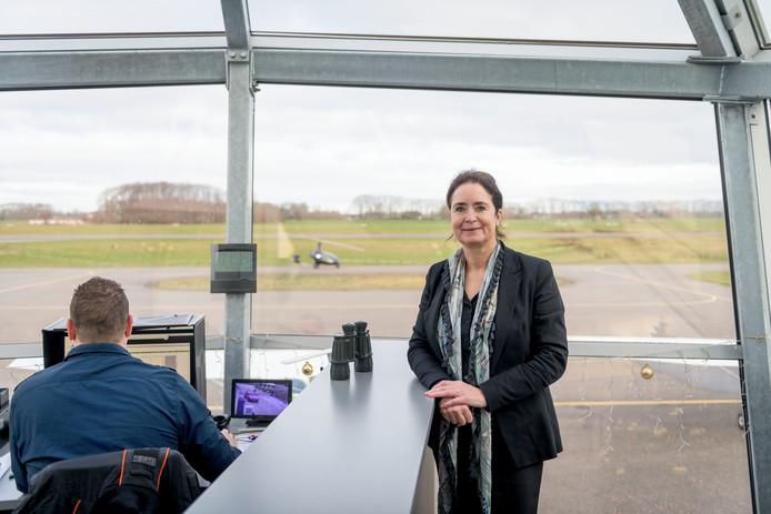 Directeur Meiltje de Groot van luchthaven Teuge tijdens de opening van het Kenniscentrum Elektrisch Vliegen Teuge
