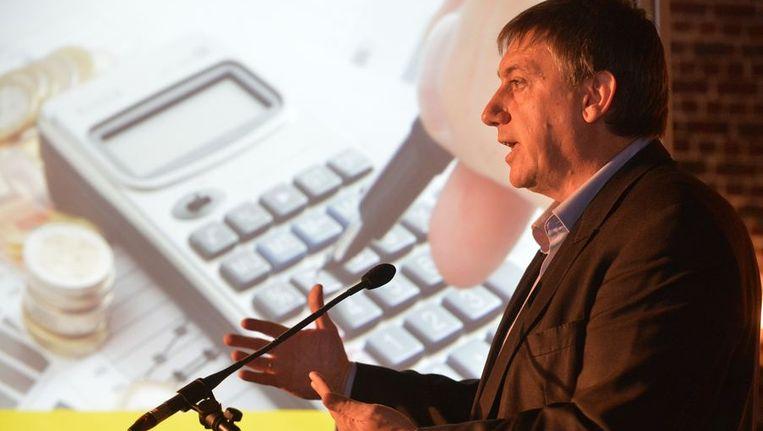 Jan Jambon bij de voorstelling van de congrestekst 'Welvaart en welzijn'. Beeld PHOTO_NEWS