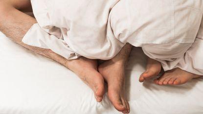 Gepassioneerde seks met speeltjes uit de eerste koosjere seksshop ter wereld