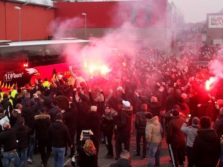Promotie of niet: spelers Go Ahead komen na de wedstrijd niet per bus terug naar stadion Deventer