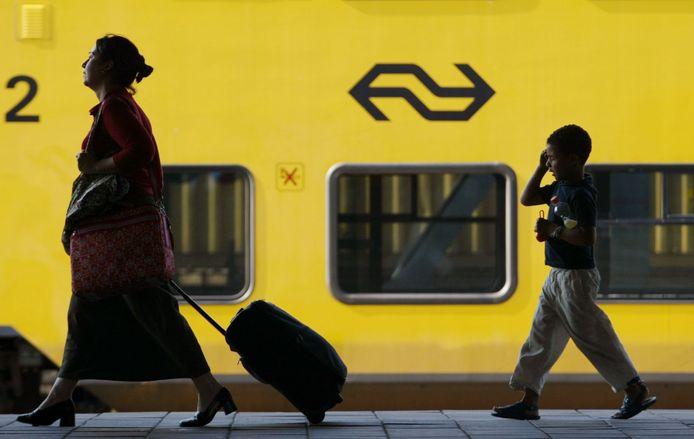 De Nederlandse Spoorwegen zetten een extra Sprinter in vanuit Zeeland richting Roosendaal.