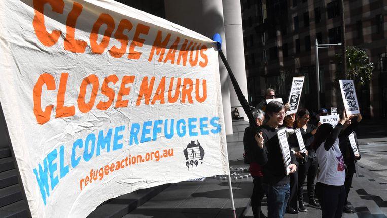 Demonstranten eisen de sluiting van de Australische detentiecentra Manus en Nauru in Sydney. Beeld afp
