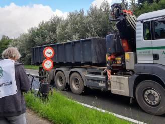 """Actiecomité telt aantal vrachtwagens in Drongen: """"Eens de Oosterweelverbinding in Antwerpen is afgewerkt, zal de druk enkel toenemen"""""""
