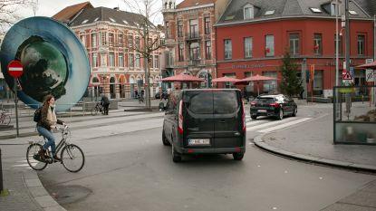 """Nieuwe verkeerscirculatie op Stationsplein vanaf april: """"Conflicten tussen auto's, voetgangers en fietsers vermijden"""""""