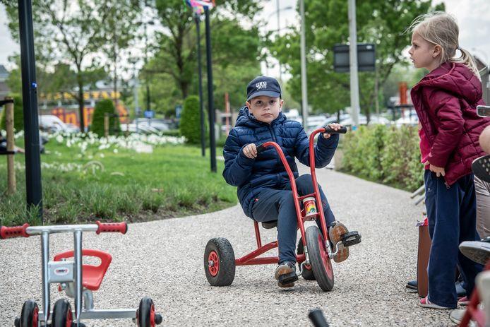 Er waren ook oldschool driewielers.