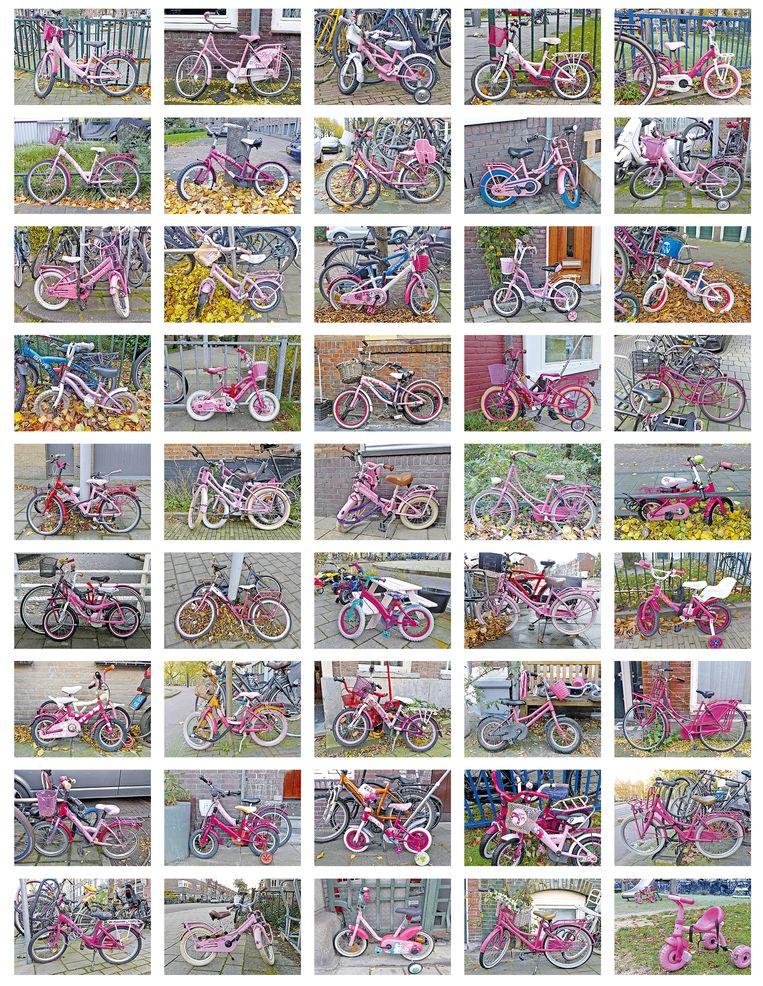 De stad staat vol met roze fietsen: van driewielers tot opoefietsen, met fietsmand of een grote bel. Arnold Weel, die ze vastlegde, vroeg zich af:bij hoeveel meisjes zou een genderneutrale fiets op het verlanglijstje voor Sinterklaas staan? Beeld Arnold Weel