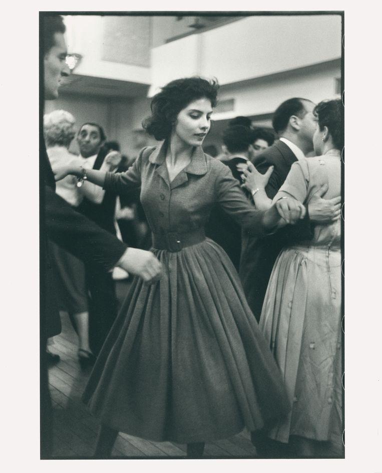 Het dansende meisje. Beeld Leonard Freed