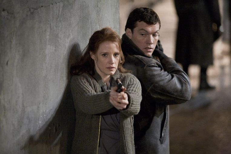 Jessica Chastain en Sam Worthington in The Debt (John Madden, 2010). Beeld
